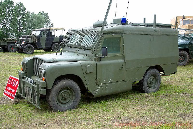 Armorama British Army Land Rover Piglet in N.Ireland