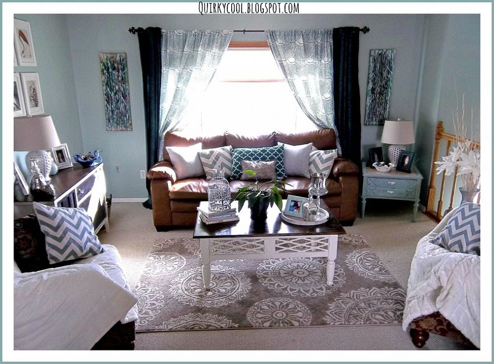 Design On A Dime Living Room Stage 3 With Images Hgtv Living