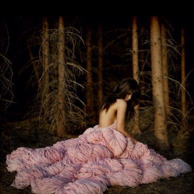 Maria Mena in the prettiest yarn dress.