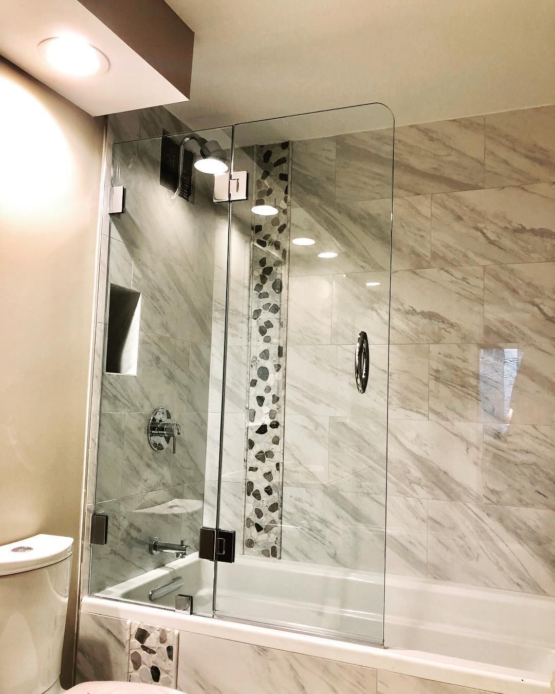 Exclusive Design Custom Frameless Tub Body Splash Guard Panels