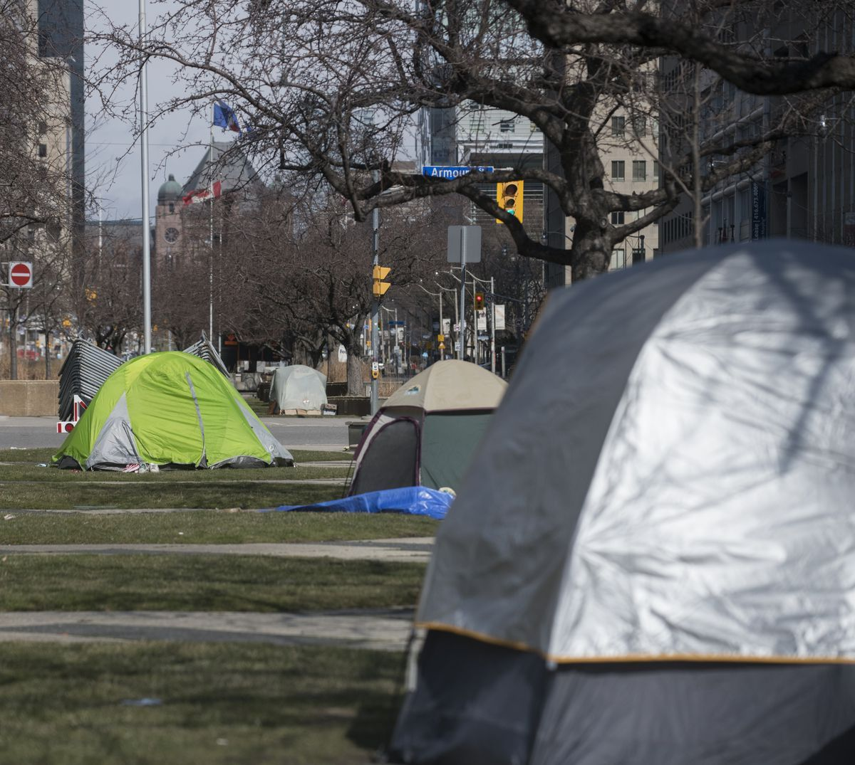 Charities Resort To Distributing Tents To Toronto S Homeless Tent Help Homeless People Homeless