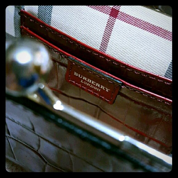 Final SALE Authentic Burberry Clutch  8aabd8ae0ea60