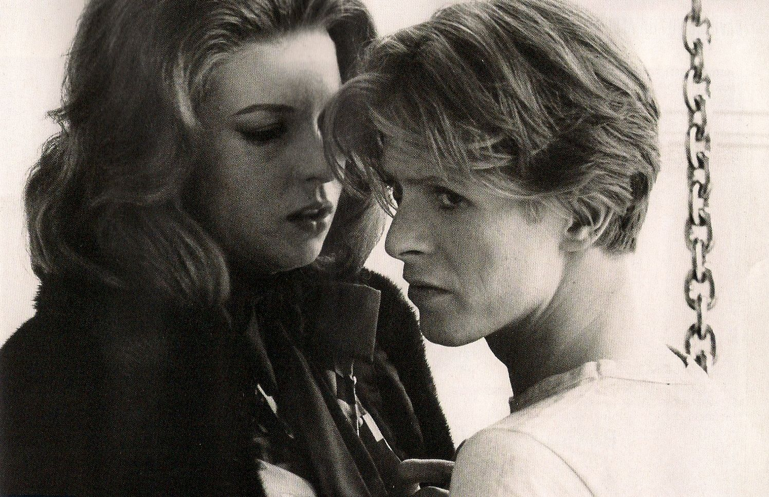 """Behind the scenes of """"The man who fell to earth"""""""
