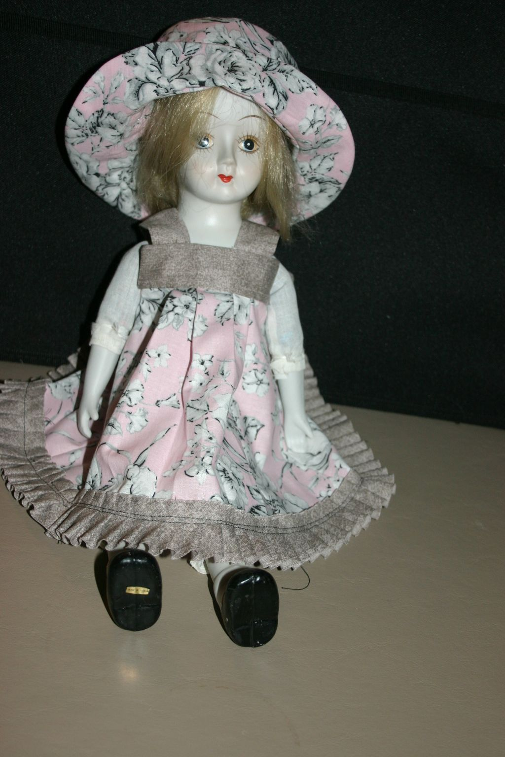 A dress I made for American Girl Doll