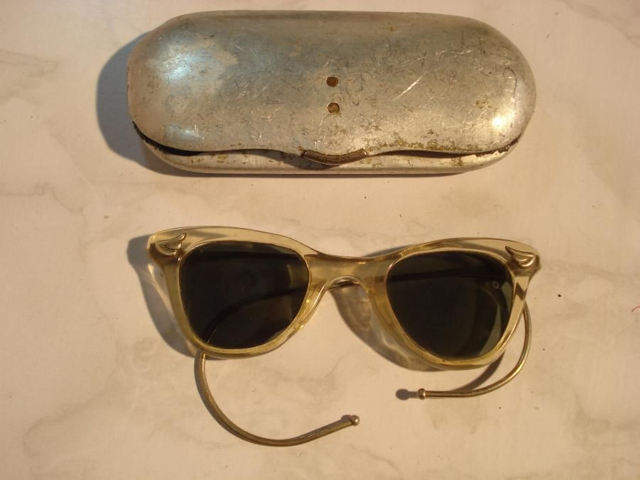 7757e1ec40a Sunglasses were invented in 1929 by Sam Foster. Sunglasses were used to  keep the glare