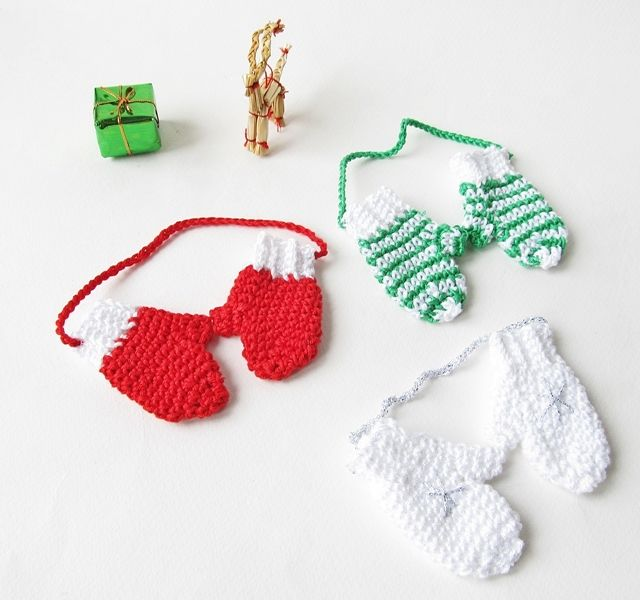 Crochet mitten Christmas ornament. Free pattern. Links to a mini ...