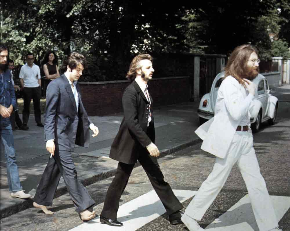 Shooting Film Behind The Scenes Of The Iconic Abbey Road Cover Photoshoot Festejar Bastidores Musica