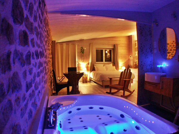 Guestroom With Balneotherapy And Chromotherapy Bath At Les Instants Voles Bed And Breakfast Bed And Breakfast Chromotherapy Spa