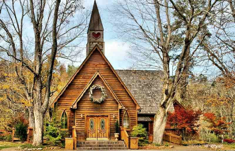 Just Down The Road From Holler My Friends Cabin Rooster Creek Is In A Lovely Wedding Chapel Townsend Tn I Got Married Here Love This