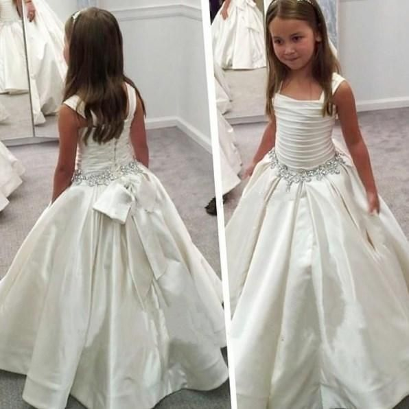 a151e9e8e98 Plus size first holy communion dresses - http   pluslook.eu fashion