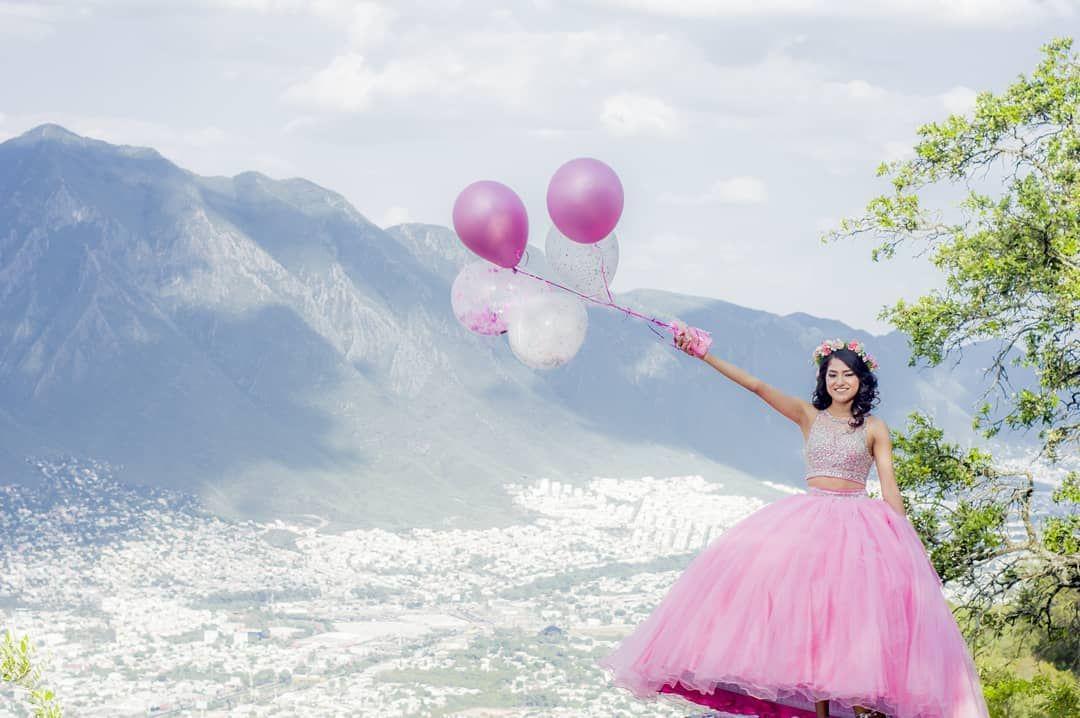 Quinceaños Sesión De Fotos De Quinceañera Poses Para Xv Años Vestido Rosa Foto Con Globos Fotografía De Montañas 15 Años C Tulle Quinceanera Tulle Skirt