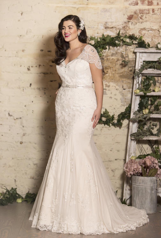 True Curves T W225a Plus Wedding Dresses Ball Gown Wedding Dress Plus Size Wedding Dresses With Sleeves [ 1500 x 1011 Pixel ]