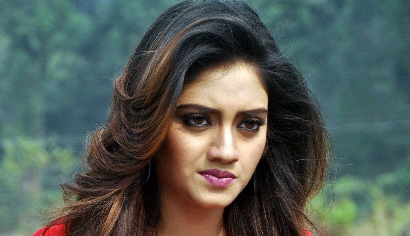 Nusrat Jahan Latest Hot Cleveage Spicy Pink Short Skirt Photoshoot Images