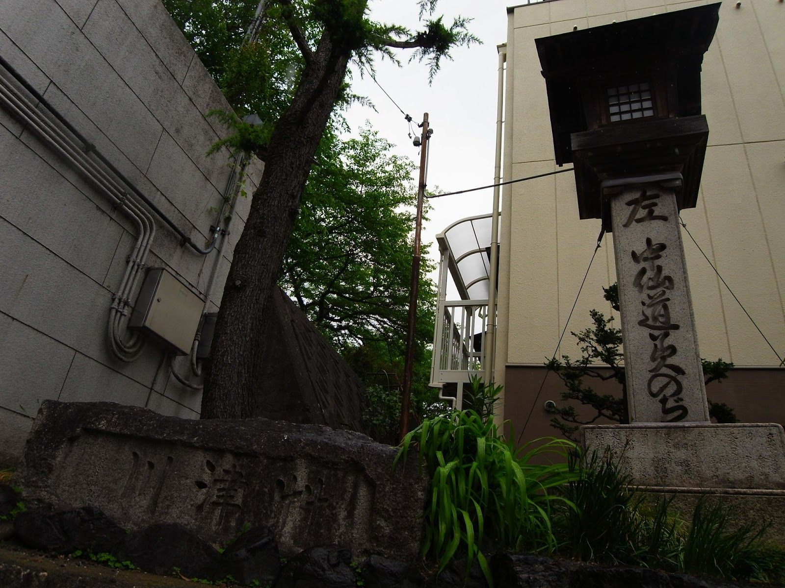 神戸滝道フラワーロードの今昔 神戸 浪花 水路