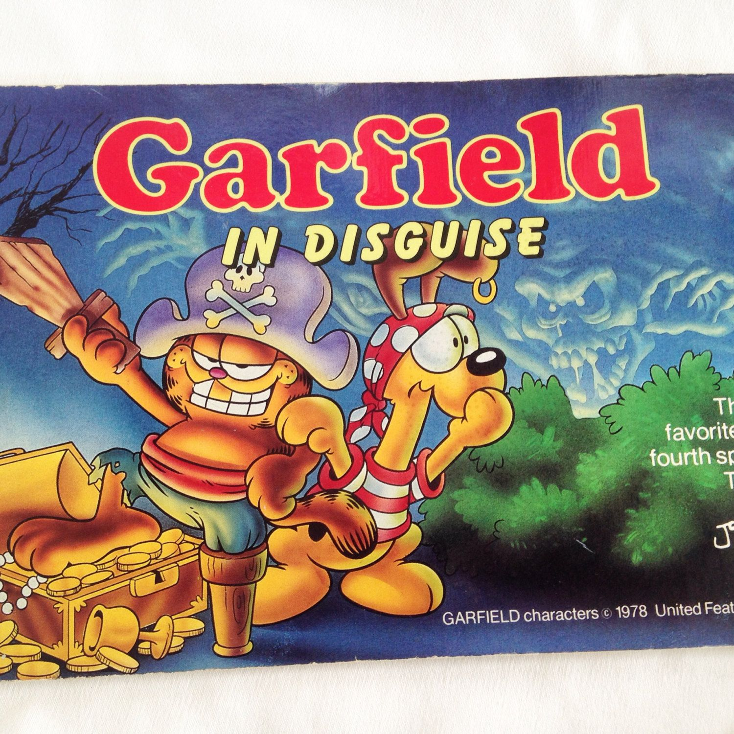 Vintage Garfield In Disguise Halloween Book 1985 By Retrovintageheart On Etsy Halloween Books For Kids Halloween Books Halloween Picture Books