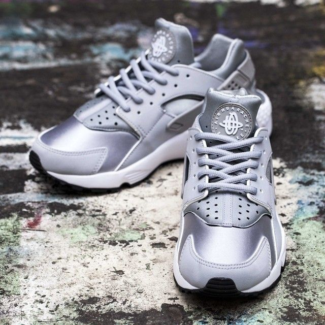 official photos 524d5 86a02 ... hot find out all the latest information on the nike air huarache womens  wolf grey white