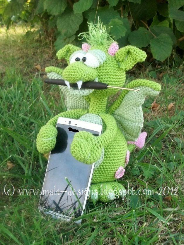 Handyhalter, Drache, Thron, Häkelanleitung, pdf   Crochet dragon ...