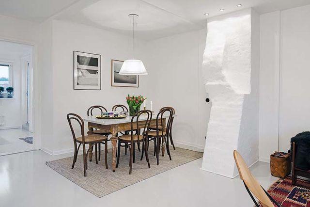 Kolme kotia - Three Homes Tyylikäs koti Ruotsista, kaunis joulukoti Kanadasta sekä jouluisia sisustuskuvia LivingEtc-lehdestä. Koti Ruotsissa - A Home in Sweden Alvhem                        Joulukoti