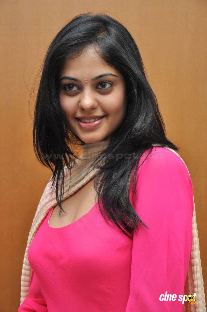 Bindu Madhavi In Salwar Kollywood Pinterest Bindu Madhavi And