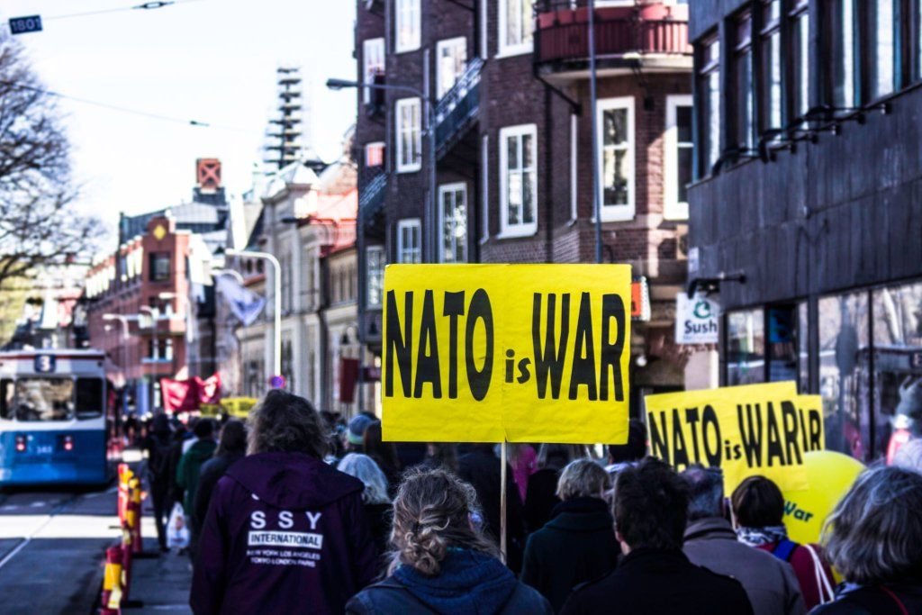 """JerkLewis on Twitter: """"Göteborg had some words for #NATO when I was at the annual 1st of May parades. #jrklws https://t.co/oGzpofDMWH https://t.co/sh4Om5k5TR"""""""