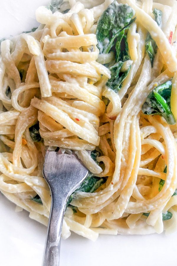Creamy Goat Cheese Pasta with Spinach images