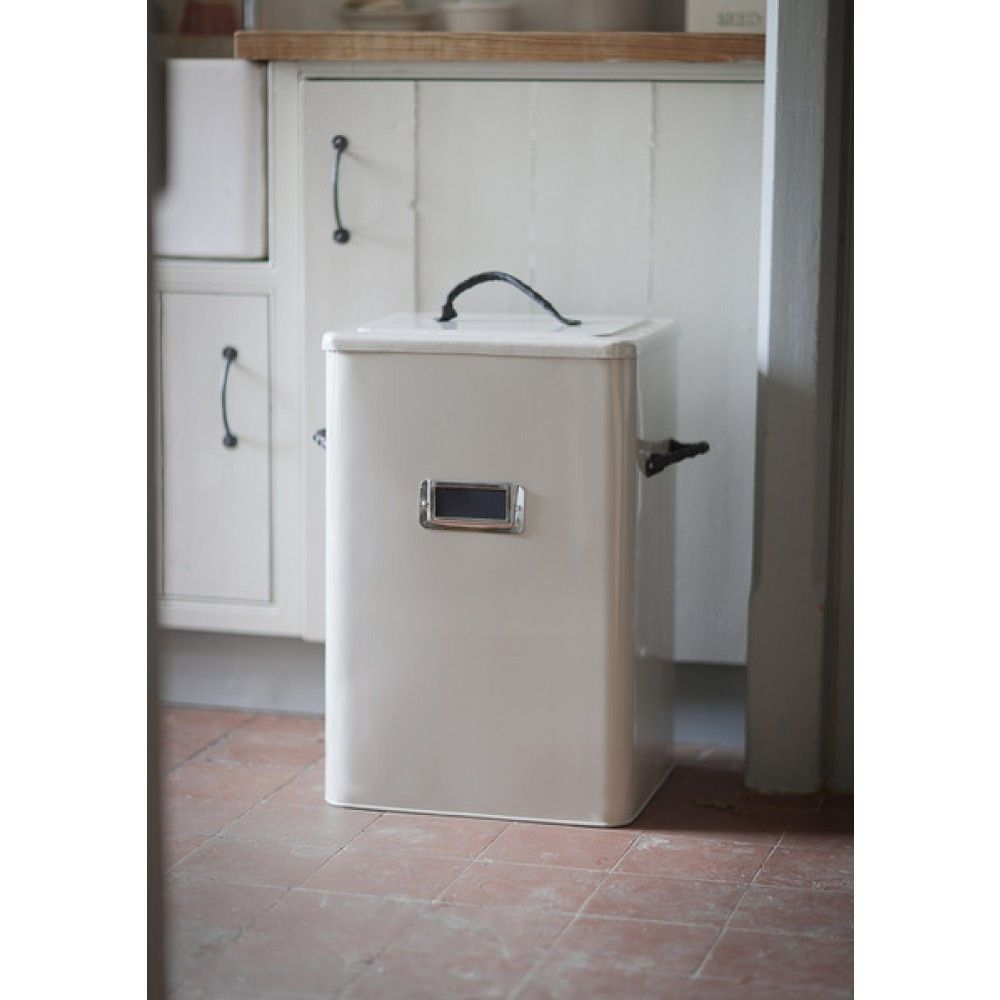 This 65 Litre Capacity Pet Food Storage Bin Provides Ample Storage For All  Of Your Petu0027s Dry Food Or Even Straw Or Sawdust Or Bones Or Treats.