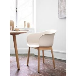 Photo of & tradition Elefy Jh30 chair frame oak, seat shell copper brown