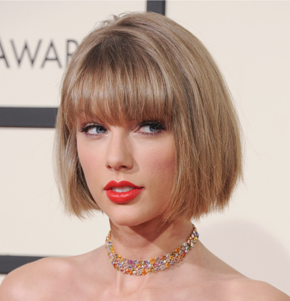 Taylor Swift Short Bob With Straight Bangs Taylor Swift Short Hair Short Hair Styles Short Hair With Bangs