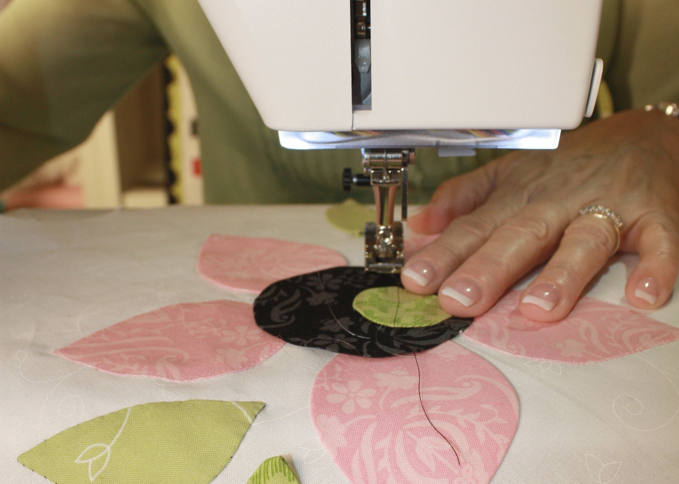How to machine stitch applique by jill finley of jillily studio