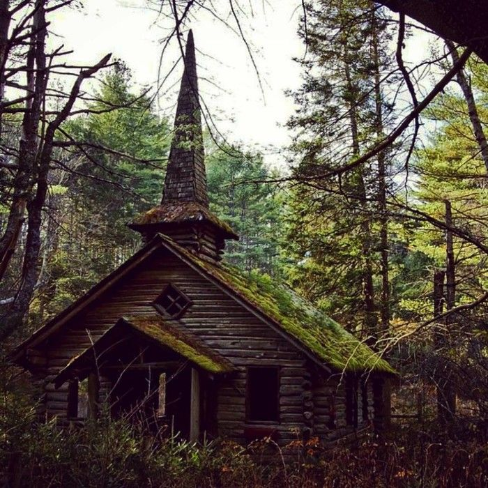 12 Abandoned Places In Oregon That Nature Is Reclaiming