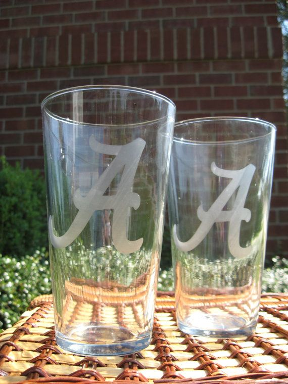 Alabama Personalized Etched Drinking Glasses By Josdoodlesanddots 48 00 Glass Etching Etsy Finds Drinking Glasses
