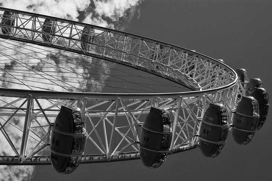 The London Eye by Adrian Binelli via 500px.