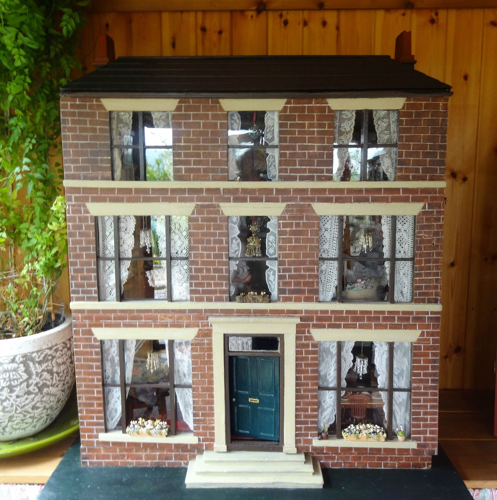 womens roles in a dolls house The essence of individuality within a doll's house the modern era was a time of change by rejecting the traditional values of society henrick ibsen's a doll's house represents a change that is more common-day, now, during contemporary times.