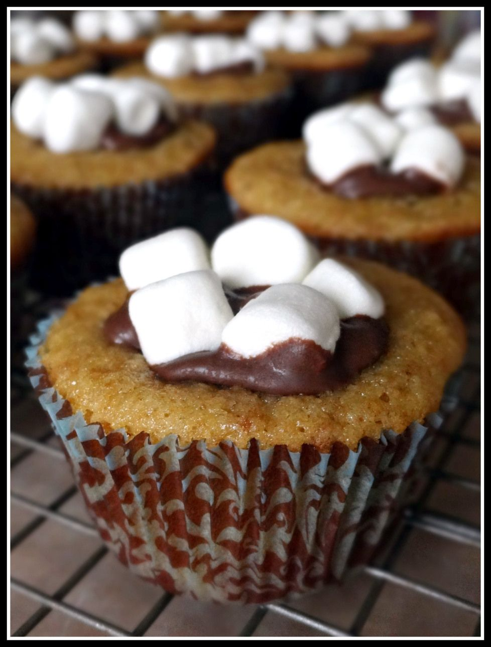 Smores Cupcakes Sweet desserts, Cupcake recipes, Dessert