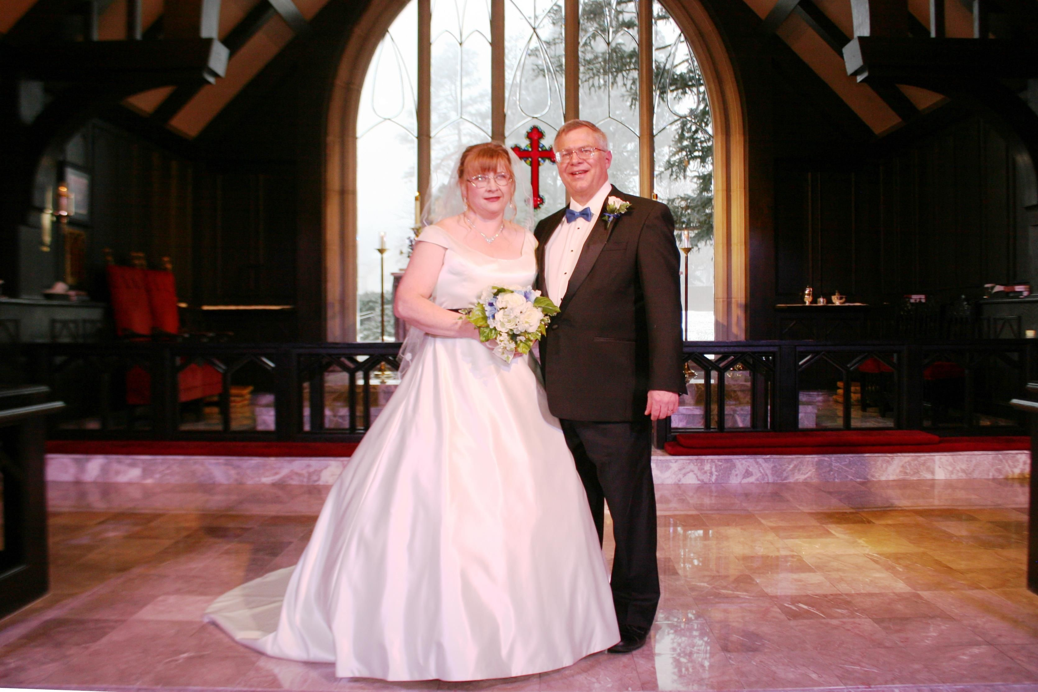 Let it snow! Sonja and David\'s wedding at Chapel of Our Saviour in ...