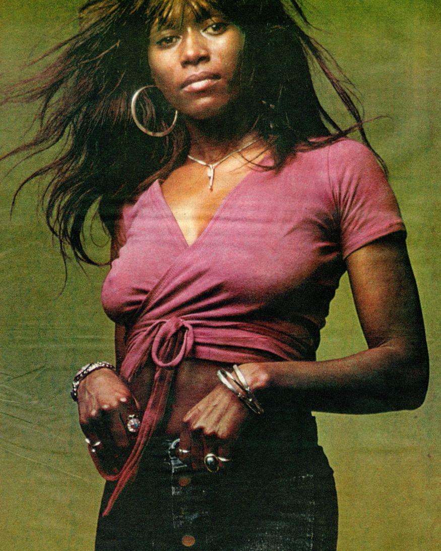 Claudia Lennear Nude Photos 80