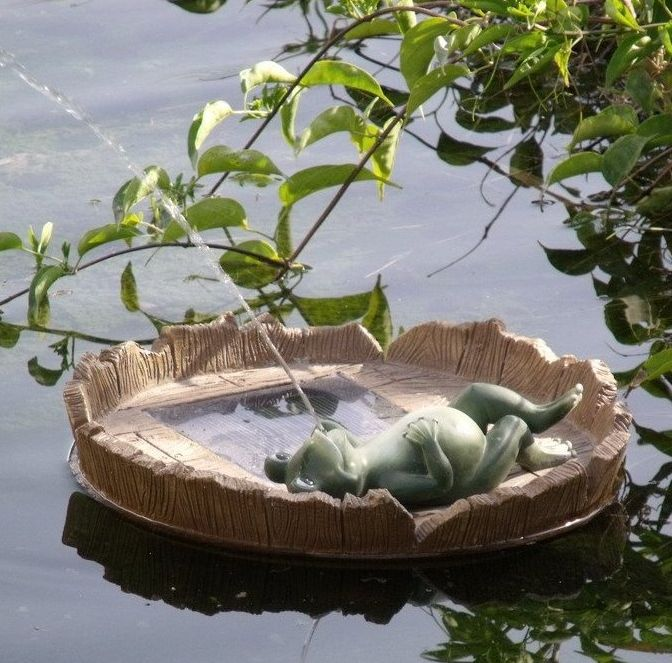 Floating Happy Frog Relaxing Spitter Solar Pond Fountain