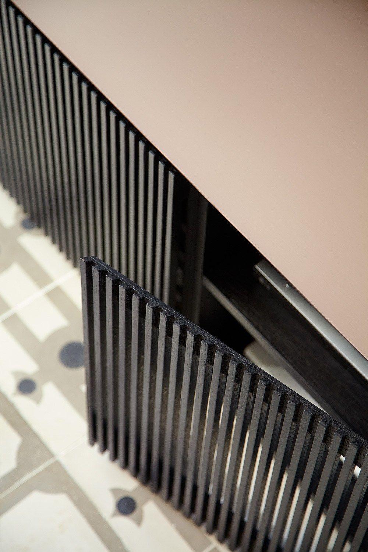 Photo of STH403 | Skjenk med dører Av Punt design Mario Ruiz
