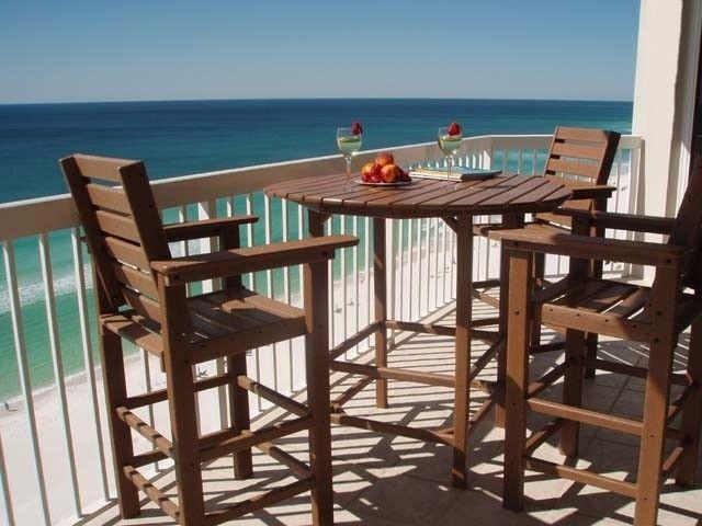 Destin Condo Rental   Spacious Balcony With High Top Deck Chairs,Table,Overlook  Beach