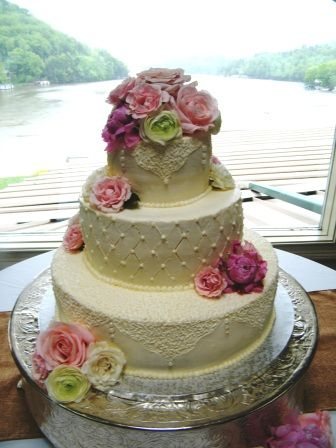 Wonderful Sweet Promises Wedding Cakes   Asheville NC