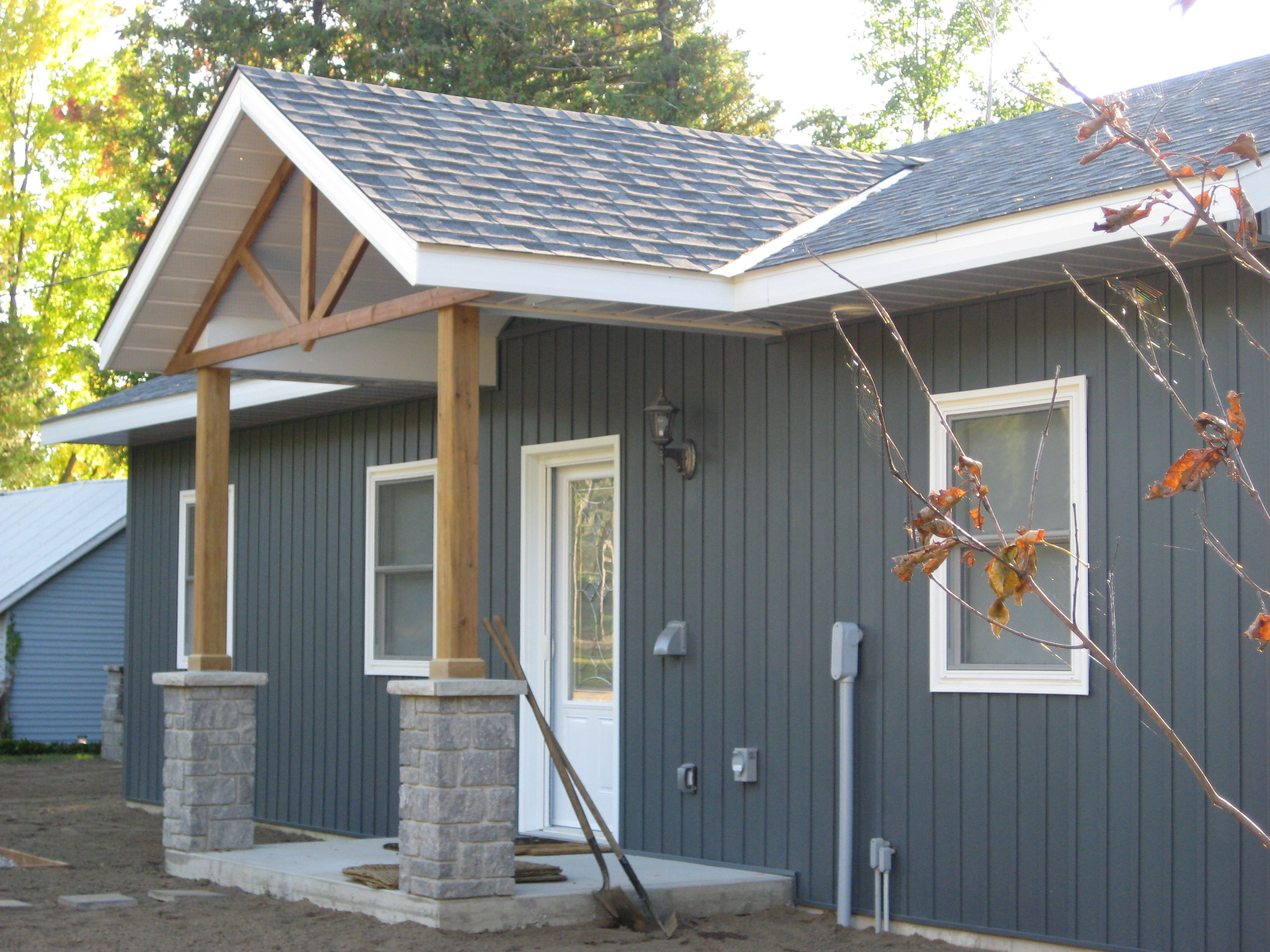 Lake side cottage finished with midnight surf board and for Lp siding colors
