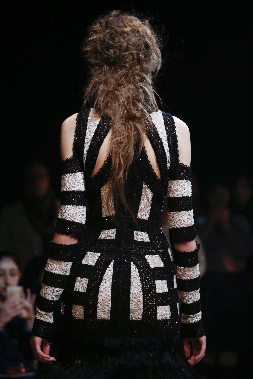 5e1b0d1063e Alexander McQueen Spring 2016 Ready-to-Wear Accessories Photos - Vogue