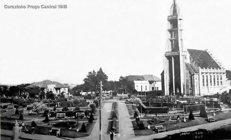 Carazinho Praça Central 1945 | por Fotos Antigas RS
