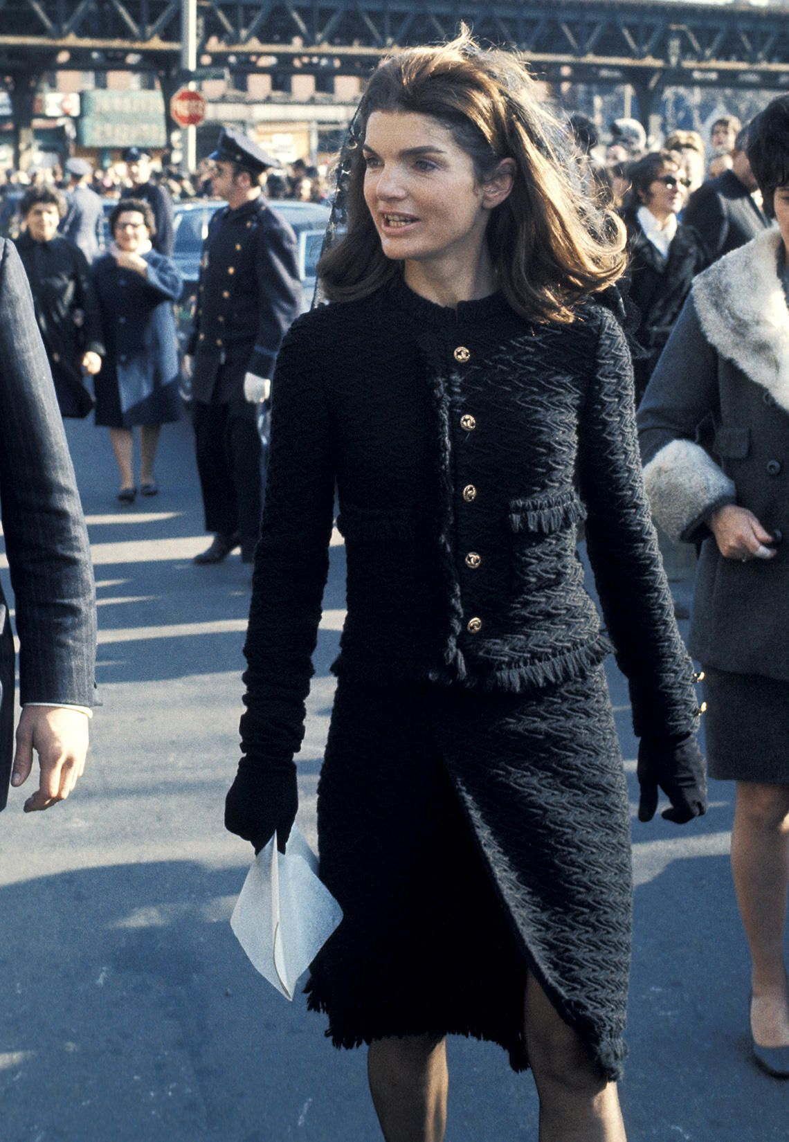Photo of Style-Vergleich: così elegante kopiert Amal Clooney die legendäre Jackie O.