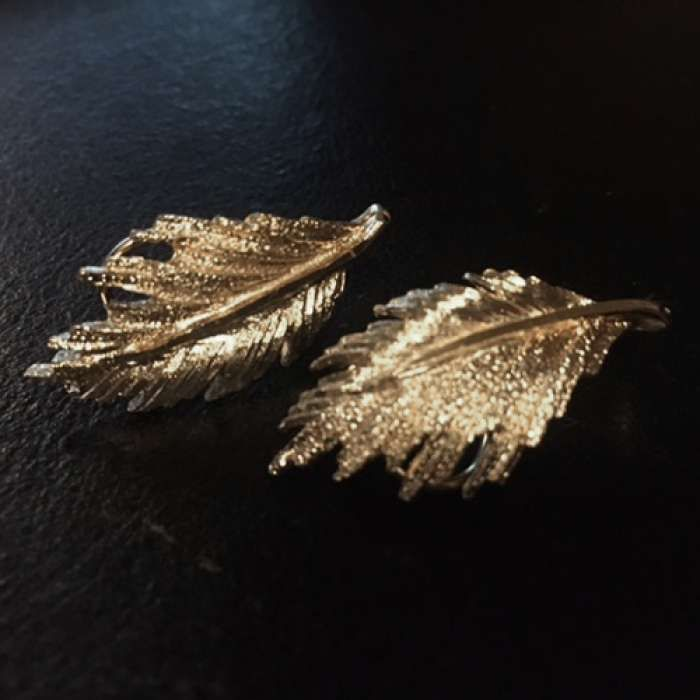 Vintage 1960's Gold Toned Leaf Clip on Earrings