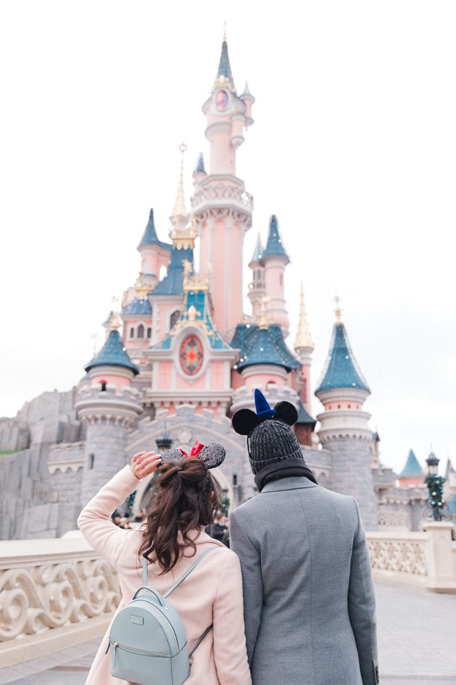 Why Christmas at Disneyland Is the Most Magical Engagement Shoot ...