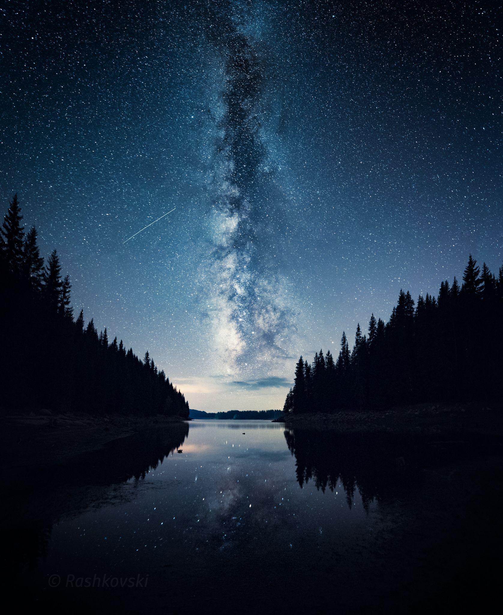 Milky Way And A Falling Star Over Shiroka Polyana Reservoir Rhodope Mountains Bulgaria Faceboo Night Sky Photography Night Sky Wallpaper Sky Photography
