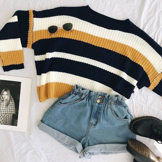 "Grunge Look Book on Instagram: ""#indie #grunge #vintage #retro #punk #rock #fashion #outfit #ootd #drmartens #art #goth #alternative #90s #autumn #fall #sweaterweather"" #90sgrunge"