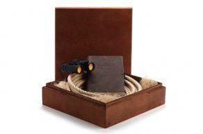 Wood box to hold safari field guide gift kit