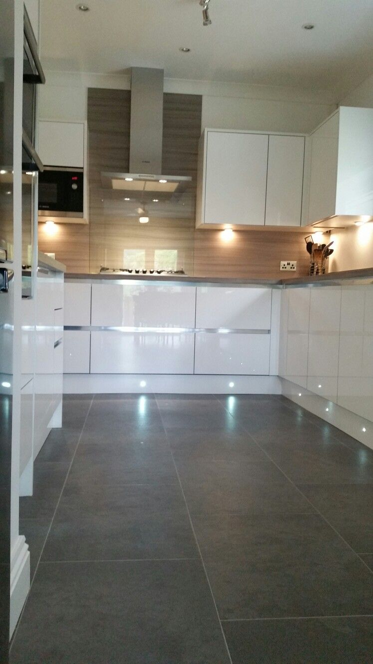 Wren White Gloss Kitchen With Driftwood Worktop And Teq Wall